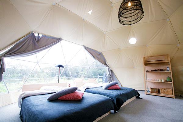 ドームテントは全室エアコン完備
