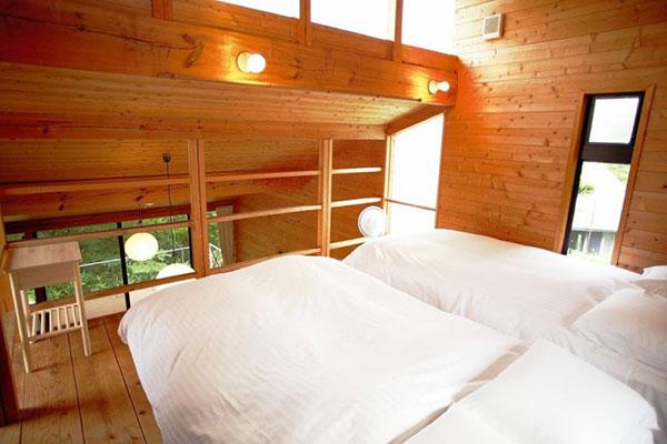 ベッド2台完備(コテージ)
