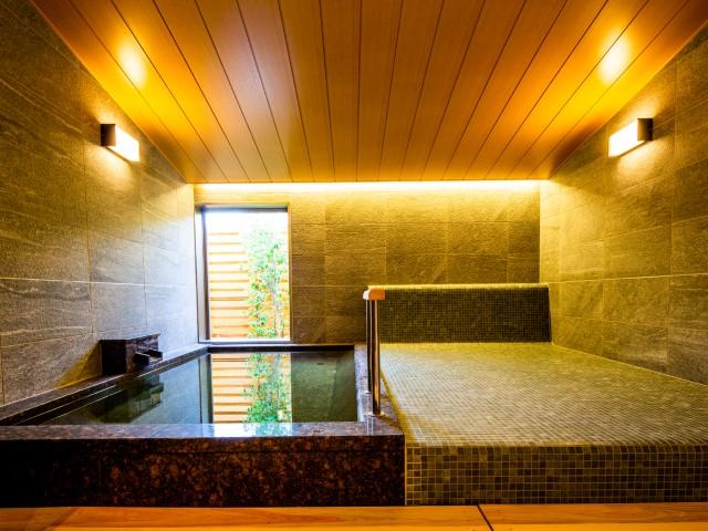 天然温泉や岩盤浴・2種のサウナ