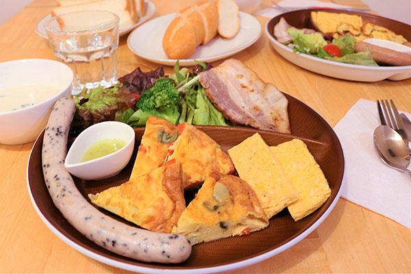 「L-BASE」朝食