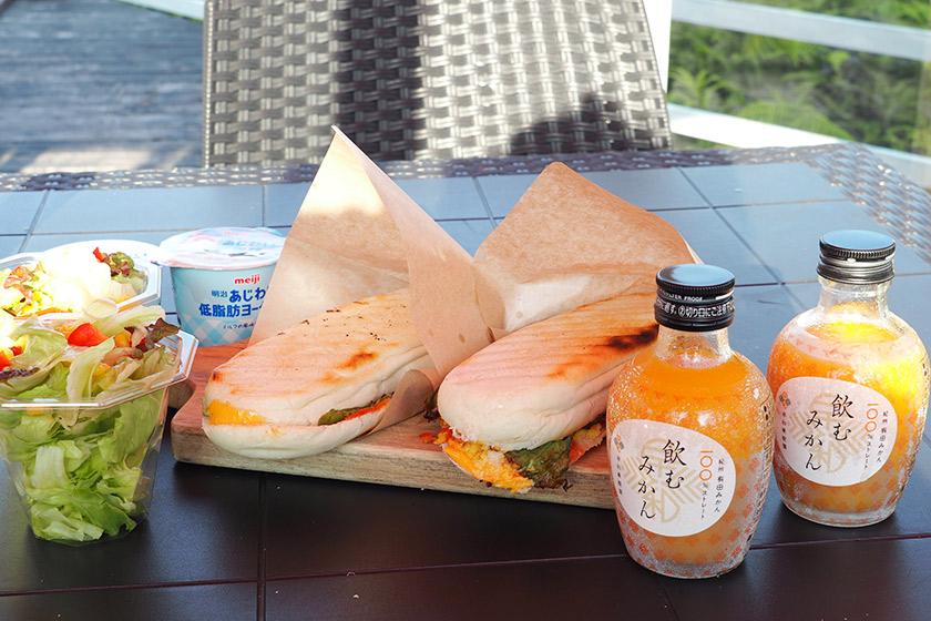 朝食:ホットサンドセット
